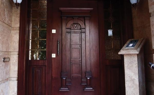 درب لابی ایستادر